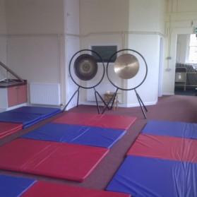 a general gong bath set up.